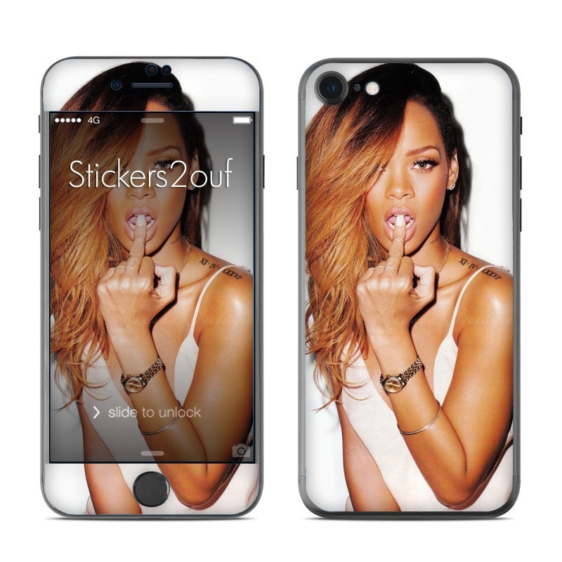 Rihanna iPhone 7